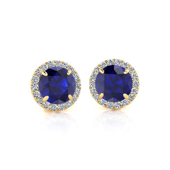 Studs earrings